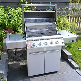 Napoleon LEX 485 Stainless Steel Gas Grill Open View