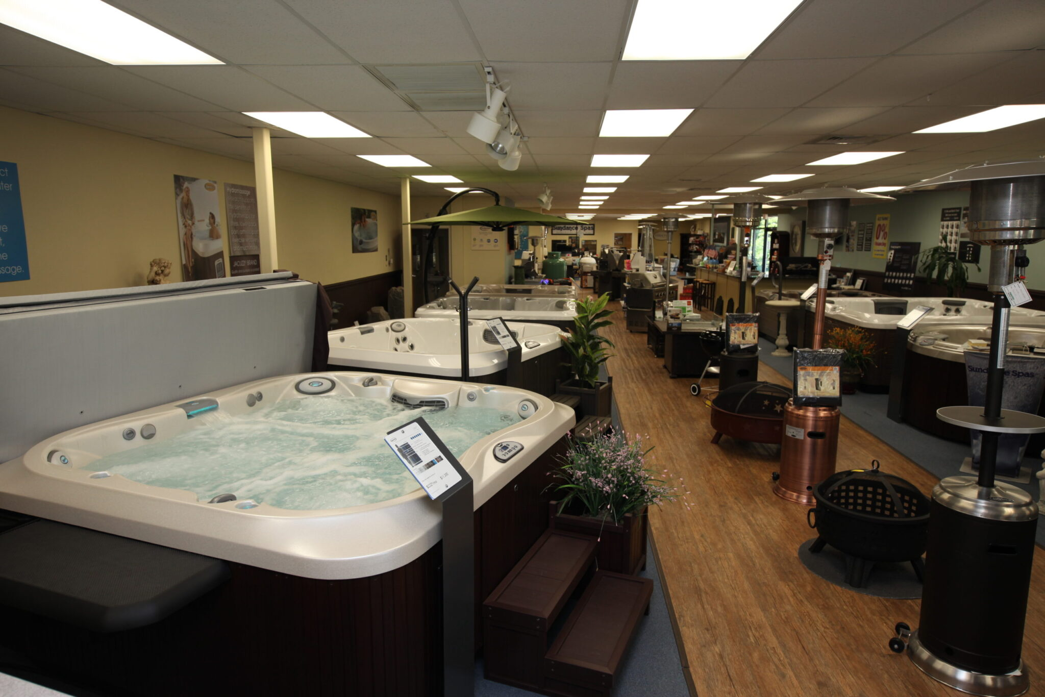 hot tub showroom Avon Connecticut